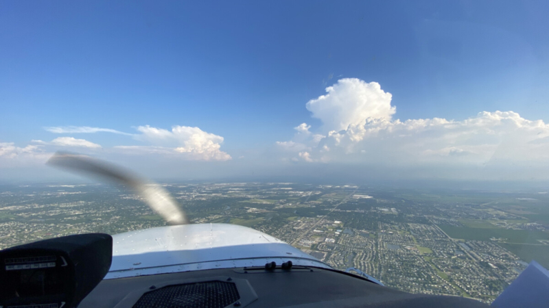 Thunderstorm Cell in Front of Skyhawk